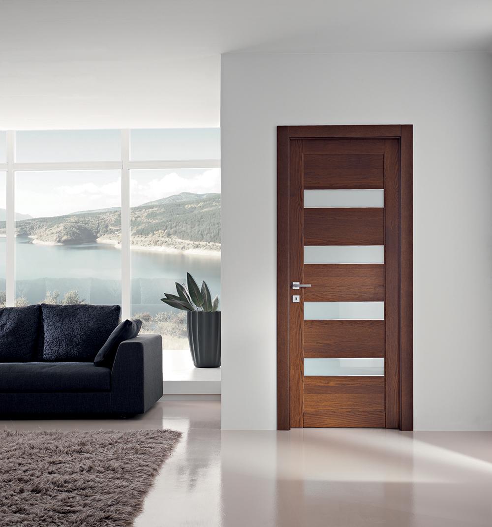 Porta in legno e vetro per interni